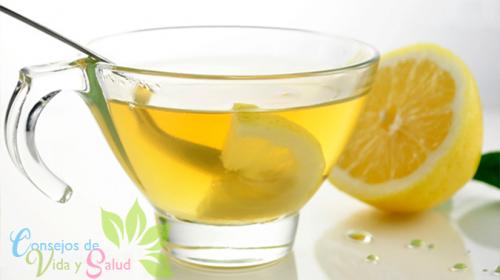 Beneficios de consumir agua con limón caliente